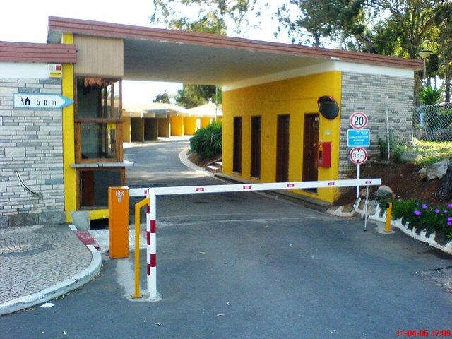 Instalação de barreiras automáticas