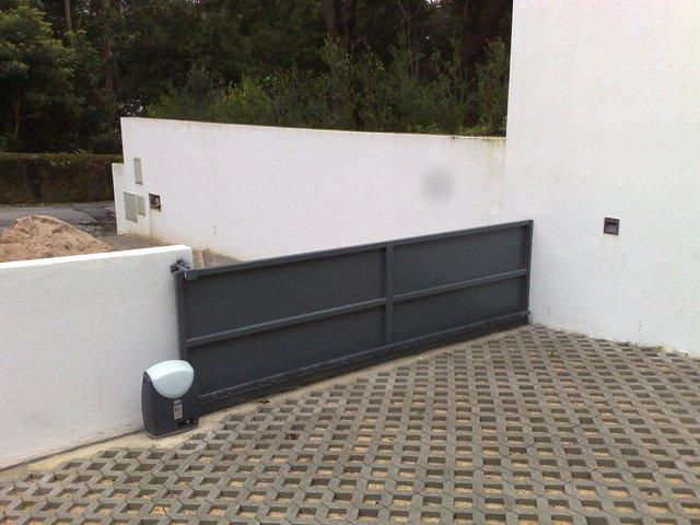 Portões de correr para garagens em Algés